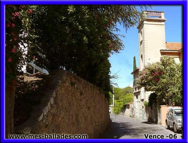 Le village de saint paul de vence 06 - Piscine dans petit jardin de ville saint paul ...
