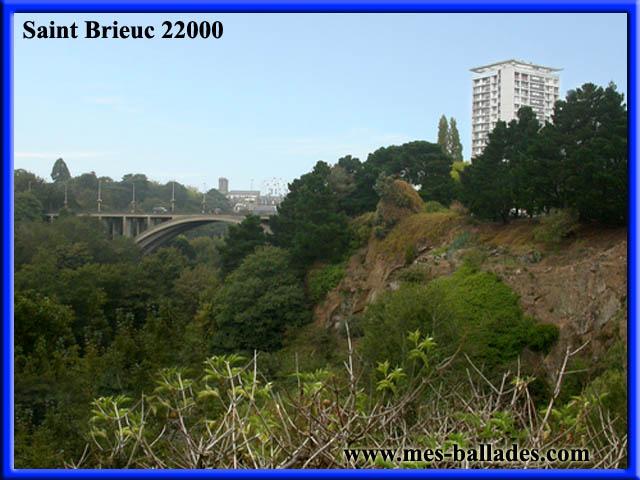 La ville de saint brieuc 22000 dans les cotes d 39 armor - Piscine saint brieuc ...